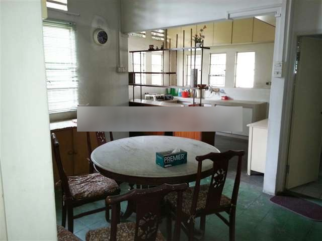 1 Storey Retro Bungalow in Section 11, Petaling Jaya For Sale (Rebuild Potential)