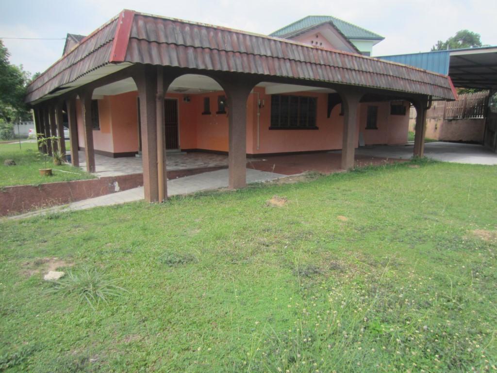 1 Storey Bungalow at Section 12 Petaling Jaya for Sale (Rebuild Potential)