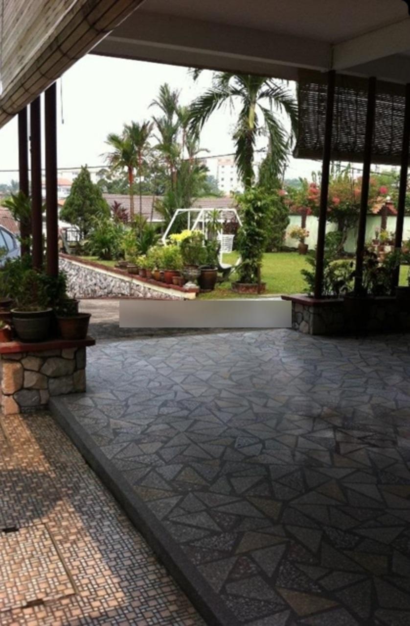 2 Storey Basic Bungalow for Sale at Section 17 Petaling Jaya (Rebuild Potential)