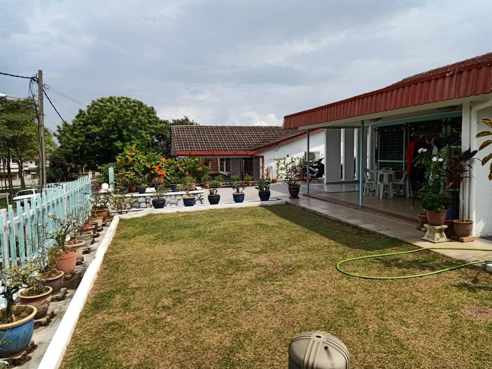 1 Storey Basic Bungalow for Sale @ SS1 Petaling Jaya (Rebuild Potential)